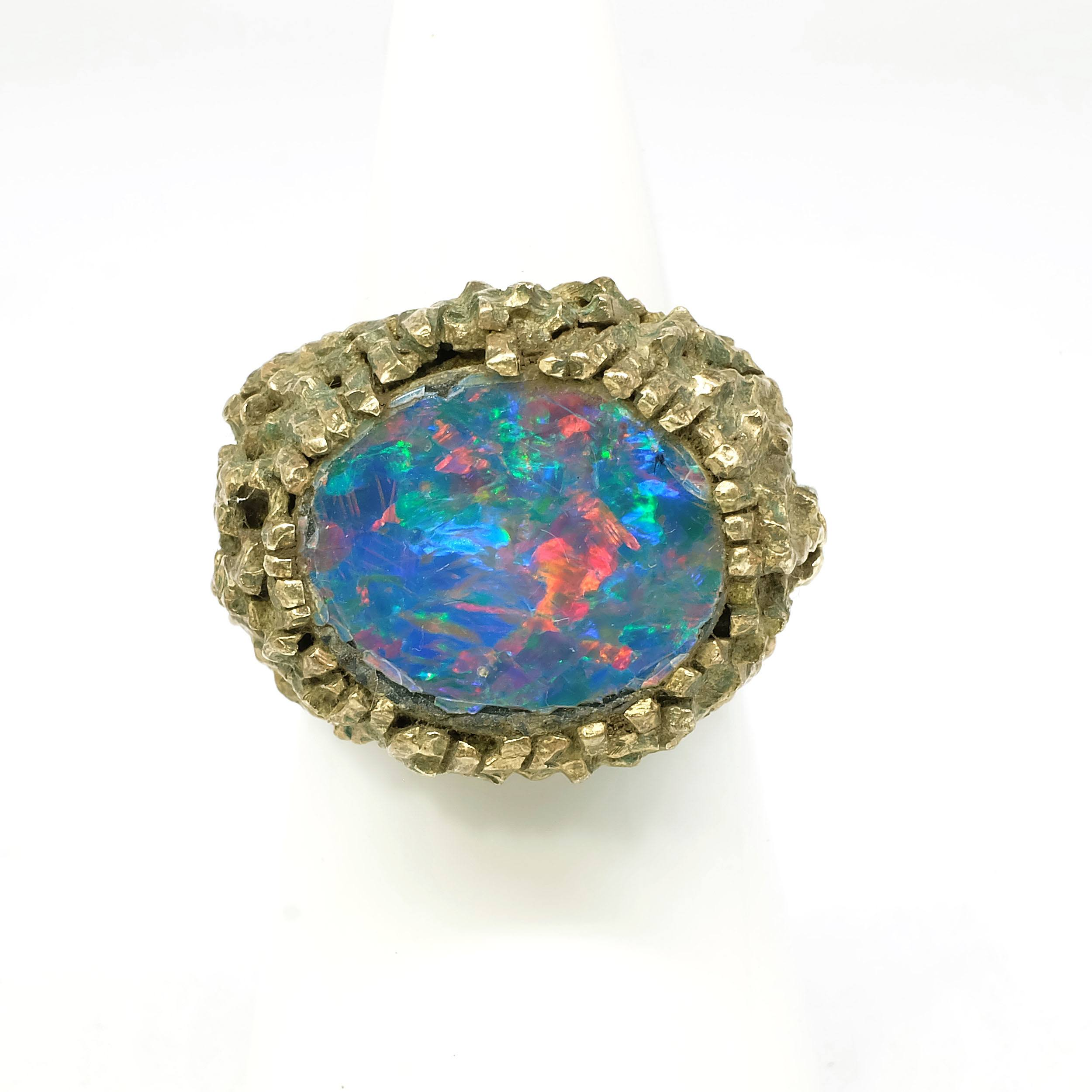 '9ct Yellow Gold Gents Signet Ring with Opal Triplet, 17g'
