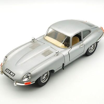 Burago 1:18 1961 Jaguar E Type