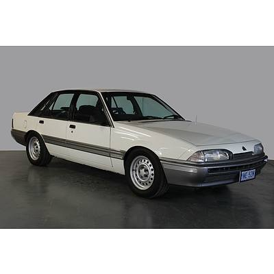 "7/1987 Holden Commodore VL ""Opera House Edition"" 70/150 4d Sedan Alpine White 5.0L"