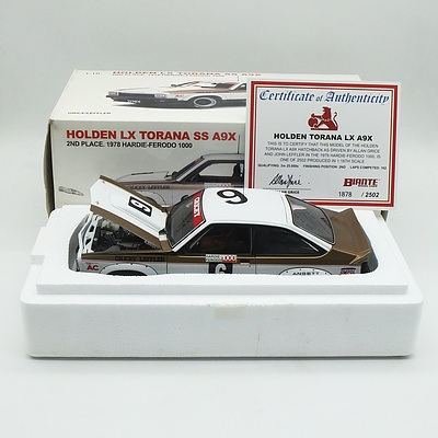 Auto Art - Holden Torana LX SS A9X Hardie-Ferodo 1000 2nd Place 1978 1878/2502 1:18 Scale Model Car