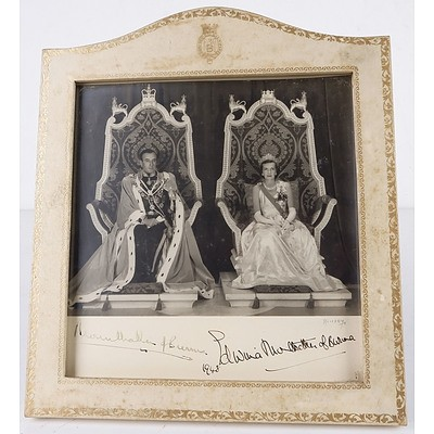 Signed Photo of Louis Mountbatten, 1st Earl Mountbatten of Burma and Countess Edwina Ashley