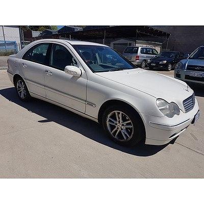 12/2002 Mercedes-Benz C220 CDI Elegance W203 4d Sedan White 2.1L