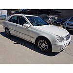 12/2002 Mercedes-Benz C220 CDI Elegance W203 4d Sedan White 2.1L