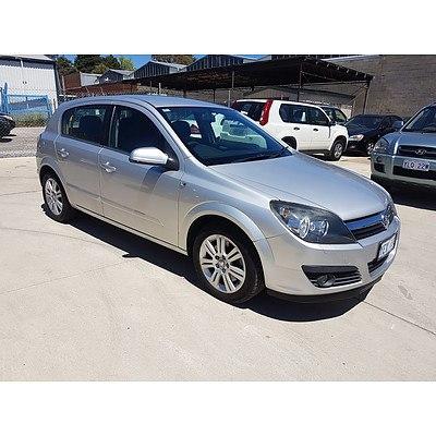 9/2006 Holden Astra CDTi AH MY06.5 5d Hatchback Silver 1.9L