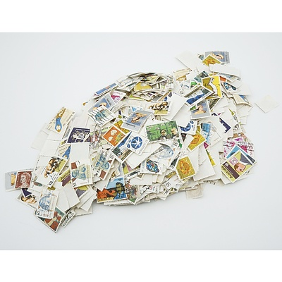 Large Quantity of Australian Stamps