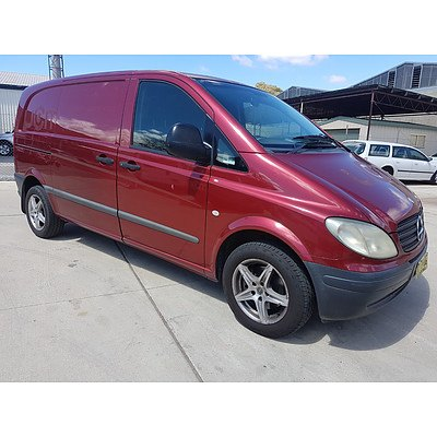 7/2004 Mercedes-Benz Vito 109cdi Compact  4d Van Red 2.1L