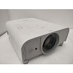 SANYO PLC-XT20 XGA 3LCD Projector