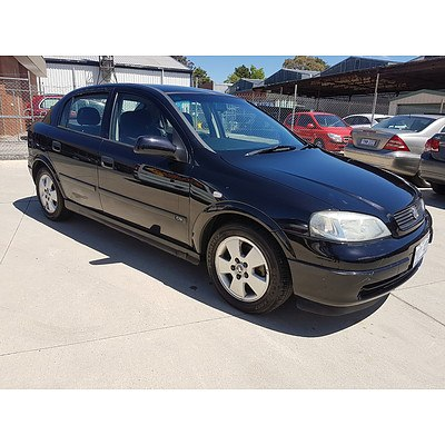 5/2004 Holden Astra CD TS 5d Hatchback Black 1.8L