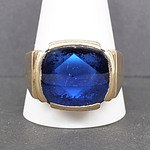 9ct Yellow Gold Gents Ring with Blue Buff Top Paste
