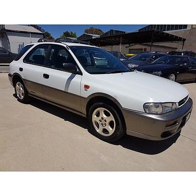 4/1998 Subaru Impreza Sportswagon  5d Hatchback White 2.0L
