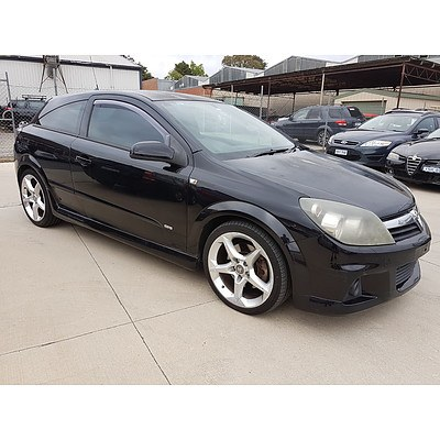 6/2006 Holden Astra SRi AH MY06.5 3d Coupe Black 2.0L