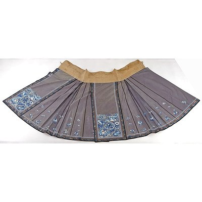Chinese Embroidered Grey Silk Damask Skirt with Metal Thread Border, Late 19th Century