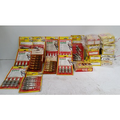 Assorted New Bosch Spark Plugs (Approx 150) Also Includes 1 Pack of NGK Plugs (x10)