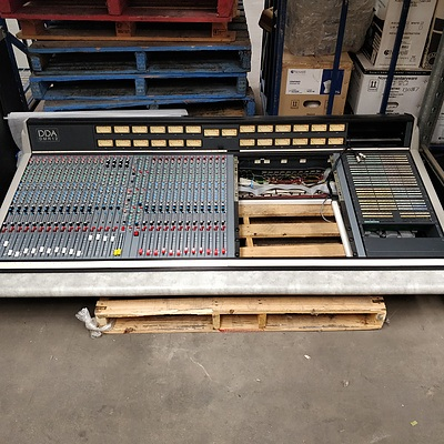 DDA DMR12 44 Input Analogue Console