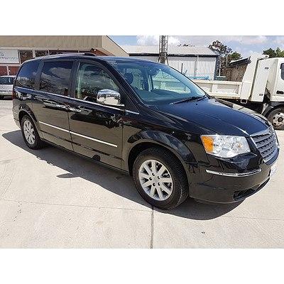 5/2010 Chrysler Grand Voyager Limited RT 4d Wagon Black 3.8L