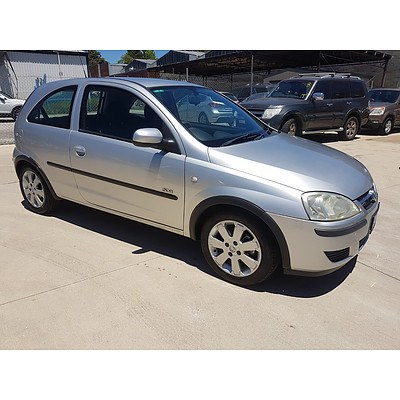 4/2004 Holden Barina SXi XC 3d Hatchback Silver 1.4L