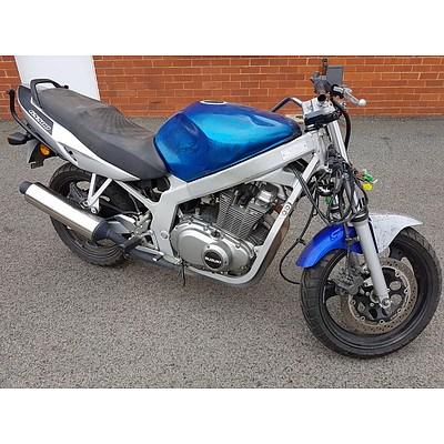 10/2003 Suzuki GS500 486cc Motor Cycle