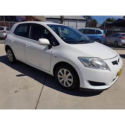 6/2007 Toyota Corolla Ascent ZRE152R 5d Hatchback White 1.8L