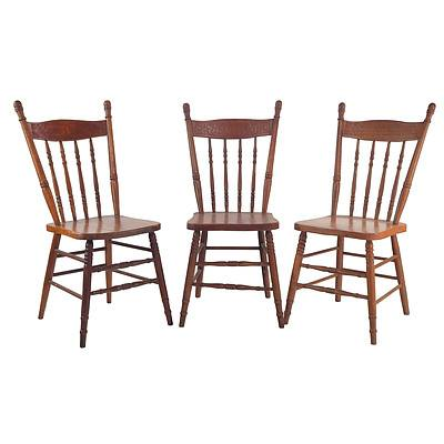 3 Australian 'Lyrebird' Pressback Pine Cottage Chairs, Melbourne Chair Company Pattern 254, Early 20th Century