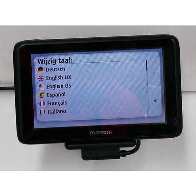 TomTom (4CQ01) GPS Receiver
