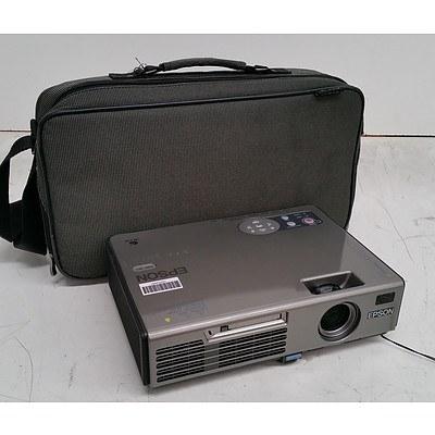 Epson (EMP-745) XGA 3LCD Projector