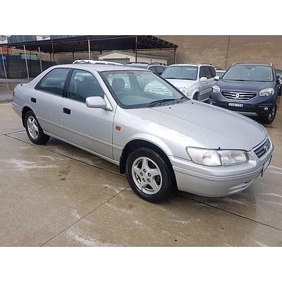 4/2001 Toyota Camry Intrigue SXV20R 4d Sedan Silver 2.2L