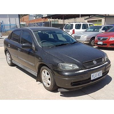 2/2001 Holden Astra CD TS 4d Sedan Black 1.8L