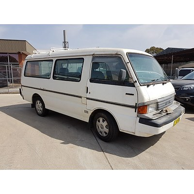 2/1990 Mazda E2000   Window Van White 2.0L