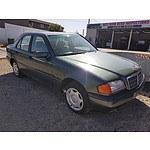 2/1995 Mercedes-Benz C220 Classic  4d Sedan Green 2.2L