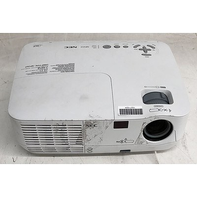 NEC (NP215) XGA DLP Projector