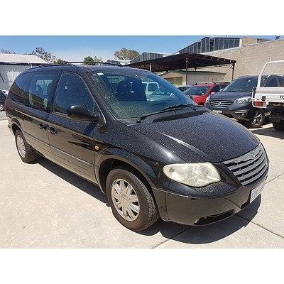 3/2005 Chrysler Grand Voyager Limited RG 05 UPGRADE 4d Wagon Black 3.3L