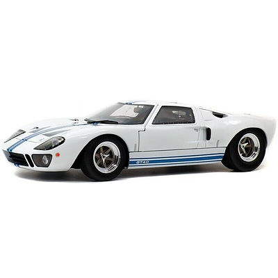 Solido Ford GT40, 1:18 Scale Car Model Sealed in Box - Brand New