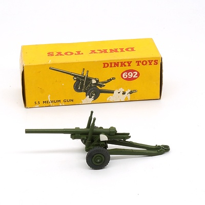 Vintage English Dinky Toys 692 5.5 Medium Gun in Original Box