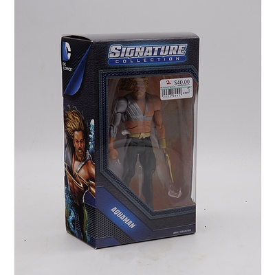 DC Signature Collection Aquaman - Action Figure Collectible