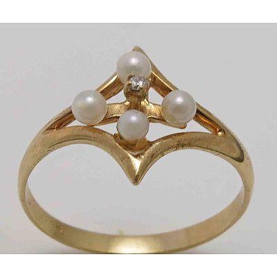 9ct Gold Pearl & Diamond Ring