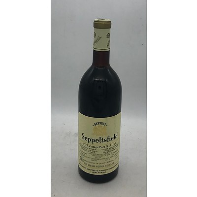 Bottle of Seppelt 1978 Vintage Port GR 71/51 ~ 750mL