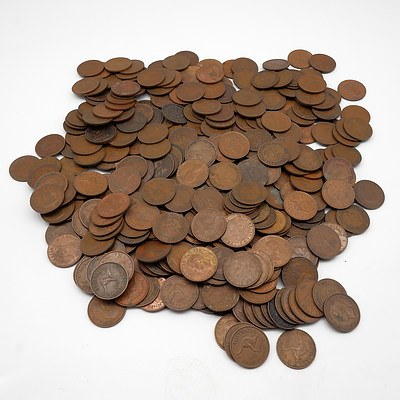 Large Group of Australian Half Pennies Ranging From 1911-1964