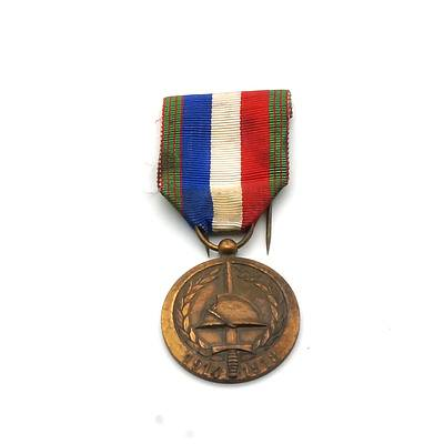 French 60th Anniversary of the Great War 1914 1918 Medal