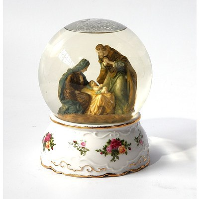 A Royal Albert Old Country Roses Snow Globe
