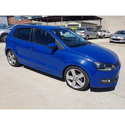 6/2011 Volkswagen Polo 66 TDI Comfortline 6R MY11 5d Hatchback Blue 1.6L