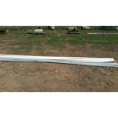 Lot 20 - 25mm PVC Electrical Conduits & Refrigeration Drain Pipes