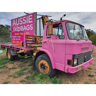 Lot 255 - 1980 Ford D Series CH/Cab Truck Pink 4.1L