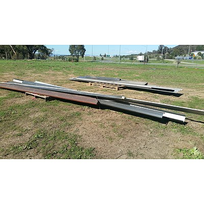 Lot 3 - Assorted Shed Roofing Components