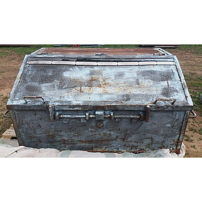 Lot 34 - Large Heavy Duty Chest