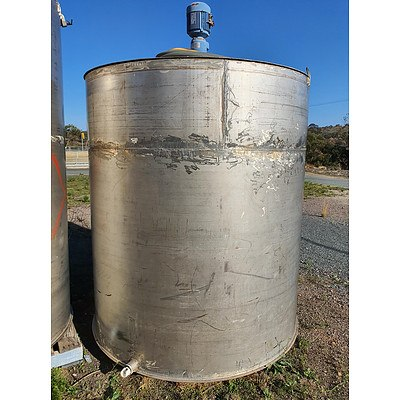 Large Stainless Steel Liquid Storage Tank Approx. 5800L