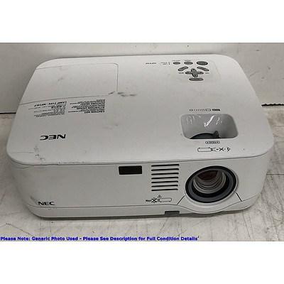 NEC (NP510) XGA 3LCD Projector