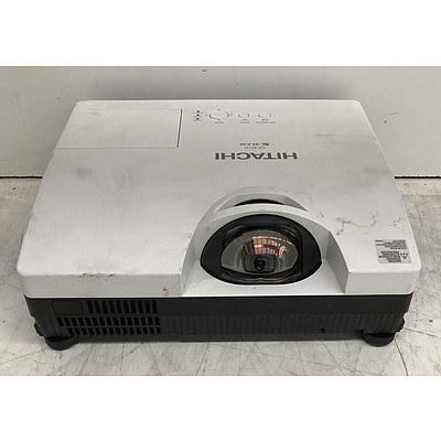 Hitachi (CP-D10) XGA 3LCD Projector