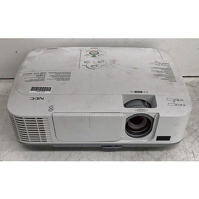 NEC (M350X) XGA 3LCD Projector