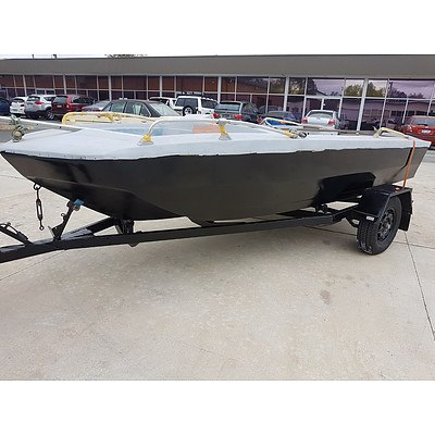 Glastron V156 16 Foot Twin Hull Boat with Trailer