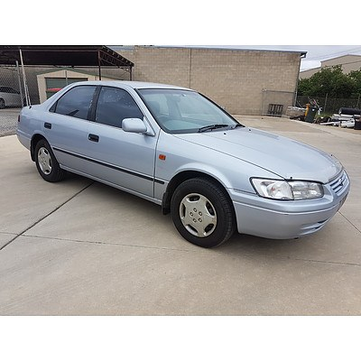 9/1997 Toyota Camry CS-X  4d Sedan Blue 2.2L